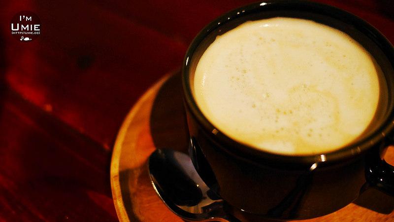 北海道自助旅行-必吃!元町八幡坂間的迷人咖啡館peacepiece!大推咖啡及起起蛋糕:)